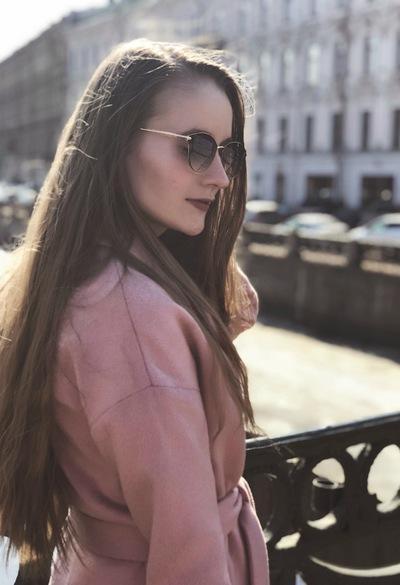 Анжелика Лучникова