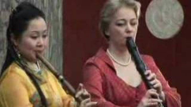 Chenyue, Michala Petri and Lars Hannibal play Autumn Piece