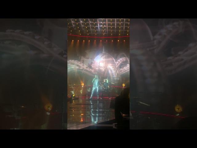 Queen Adam Lambert - We're the champions *fragment*