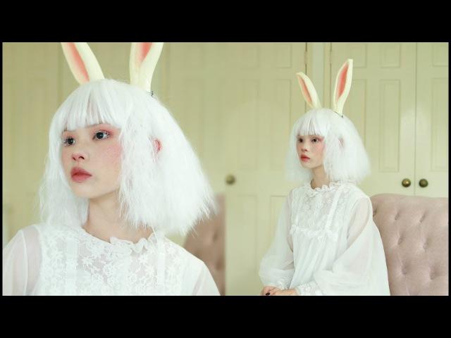 Vintage white rabbit makeup tutorial 🐇 halloween 2017