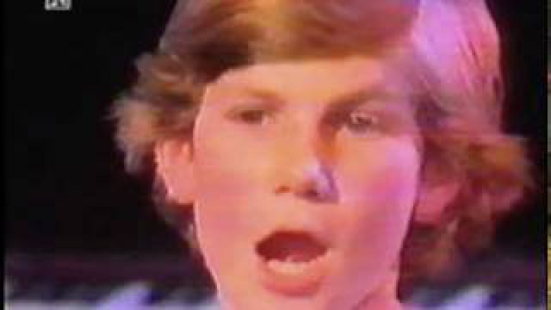 Mike Oldfield Anita Hegerland - Picture In The Dark [Live Tv 1985].mpg