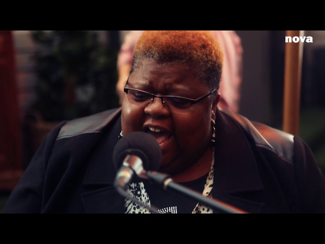 The Como Mamas - Move Upstairs | Live Plus Près De Toi