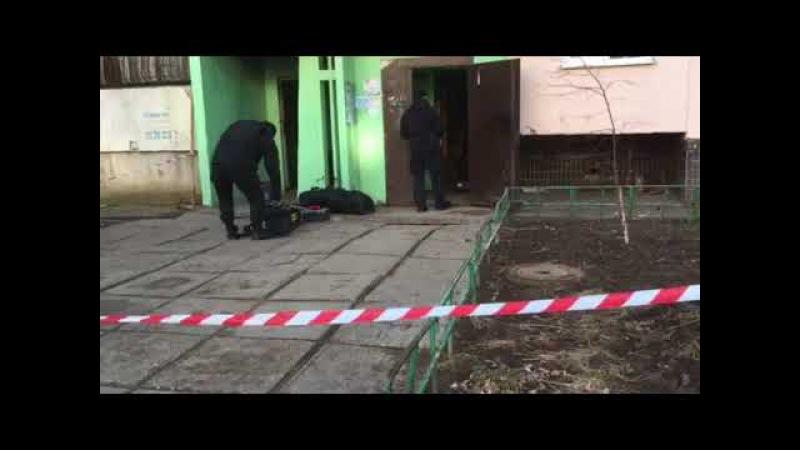Взрывотехники продолжают работу в многоэтажке на Шишкина