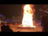 Возгорание елки в Южно-Сахалинске .mp4