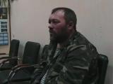 Новоайдар.25 мая,2014.Священник Владимир Марецкий дает под давлением показания