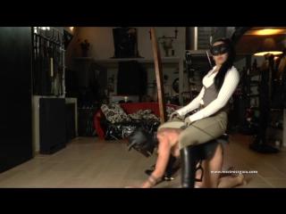 cruel italian mistress and poor ponygirl