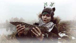 Щука там ходит, дааа! Юля Лобацевич на рыбалке! рыбалка в Беларуси