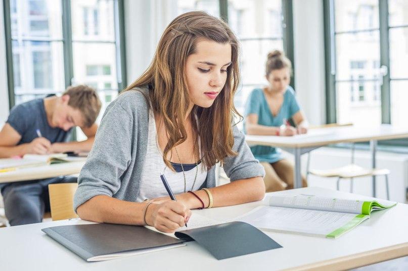 Видео секс юная студентка сдает экзамен