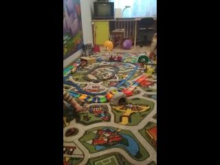 Макс и его еще живые игрушки)