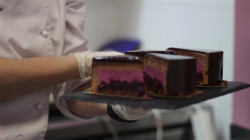 Муссовый торт шоколад-черная смородина