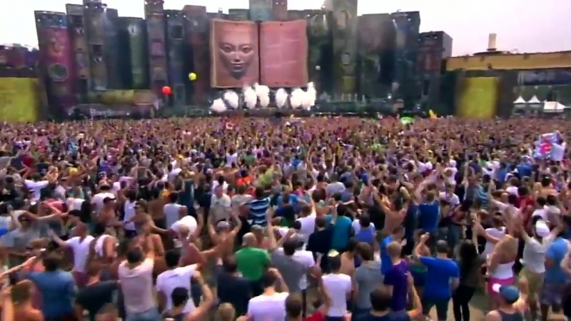 Hardwell_Spaceman_vs_Somebody_that_I_used_to_Know_Live_Tomorrowland_2012_