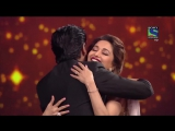 Srk dances with madhuri dixit at 61st film fare