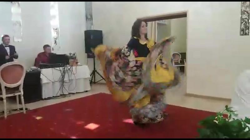 Цыганский танец сестры