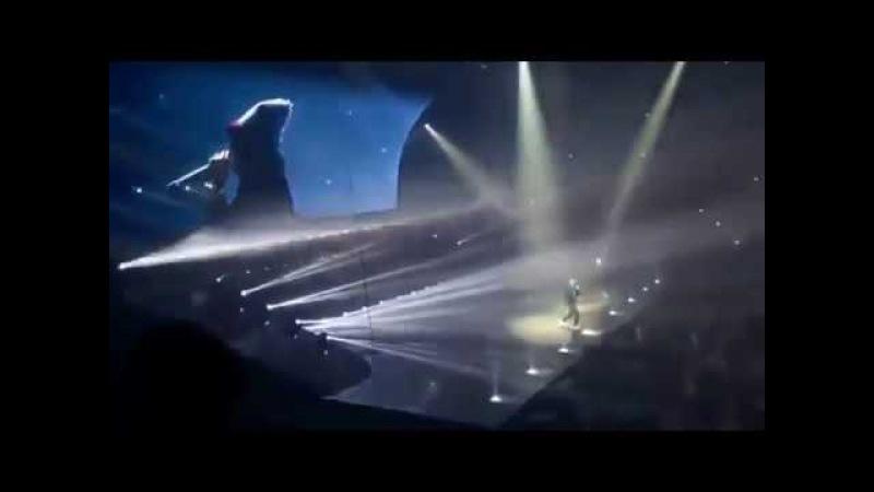 Неожиданное появление Eminem'a на концерте Drake