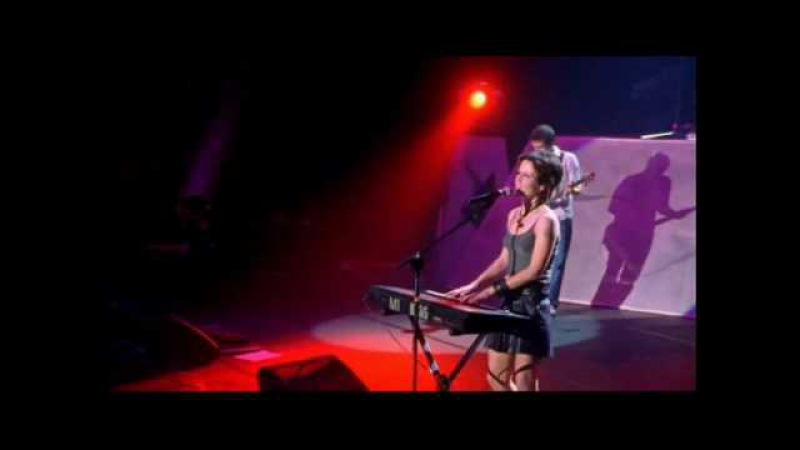 The Cranberries Ode to My Family Live in Paris (1999) 04