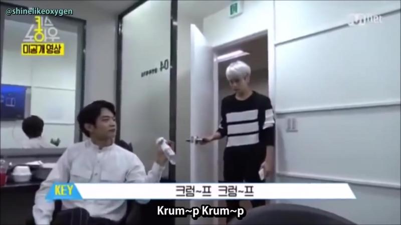 SHINee Funny Moment - Jonghyun Fall (Daddy - PSY ver.)