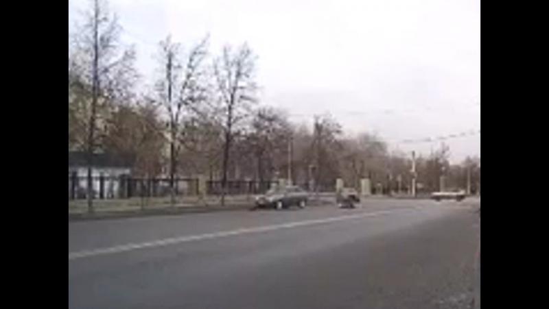 В Магнитогорске сбили бабушку, 18 летний водитель сбил бабушку на красный свет светофора. Бабуля в реанимации.