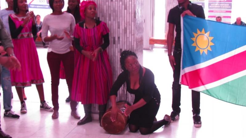 Exposicion de los estudiantes namibianos RUDN