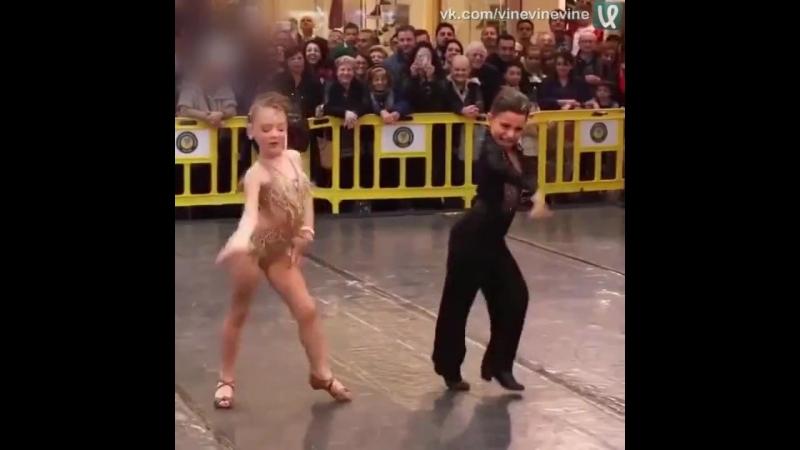 Дети танцуют не хуже взрослых
