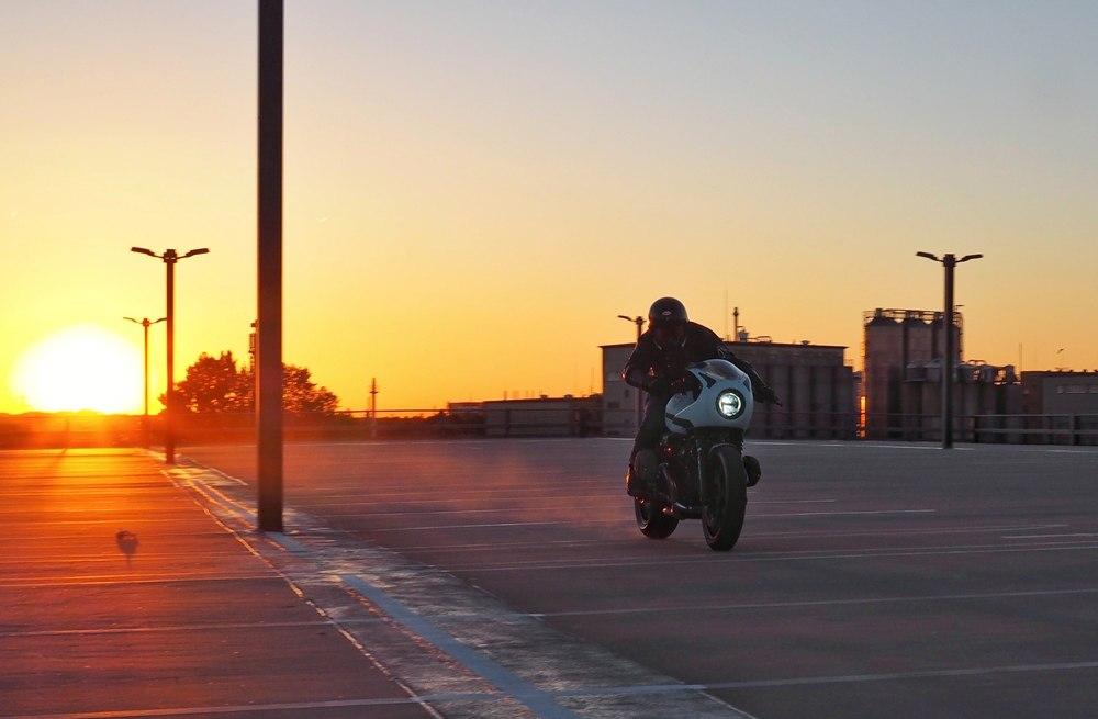 JvB-moto: кафе рейсер BMW R nineT Racer