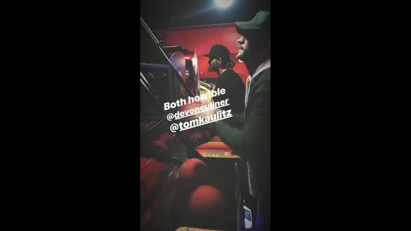 Bill Kaulitz Instagram Story [22.03.2018] - Both horrible @ devonculiner @ tomkaulitz