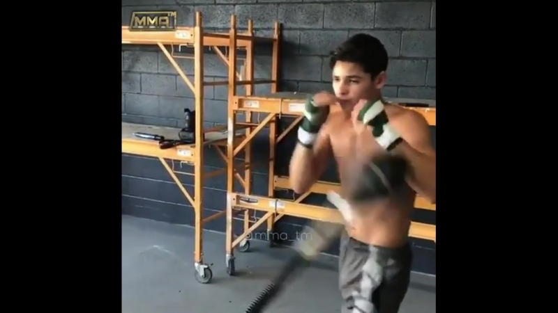 Ryan Garcia The Flash boxing - combatmarkt.com