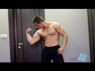 Сocky muscle flexing and shirt ripping