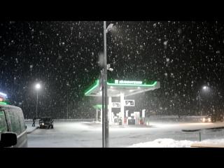 Огромные хлопья снега