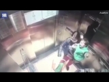 Няня избивает ребёнка в лифте 18+