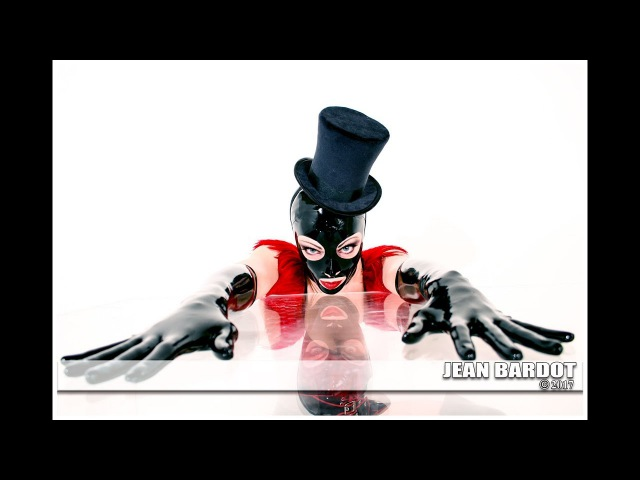 The JEAN BARDOT Show; Latex Gloves