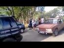 Homem dá soco e chute em guarda feminina e bate em sua esposa delegada em MG