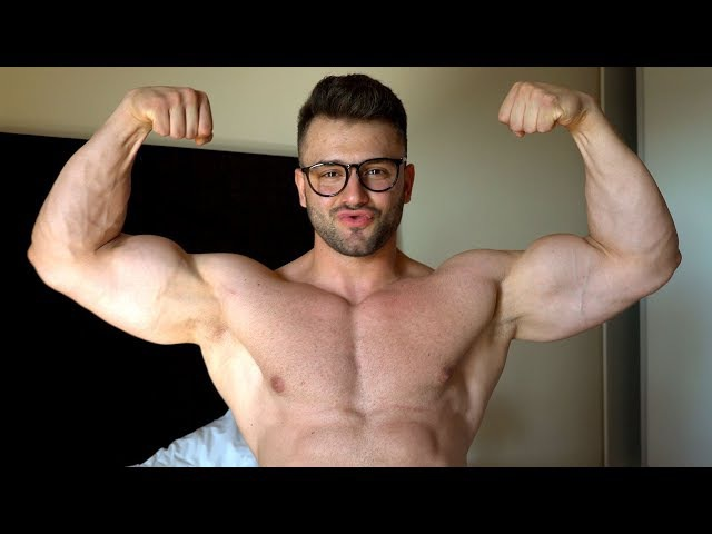 THE MUSCLE DOCTOR - Muscle Worship with CockyBoy Alex