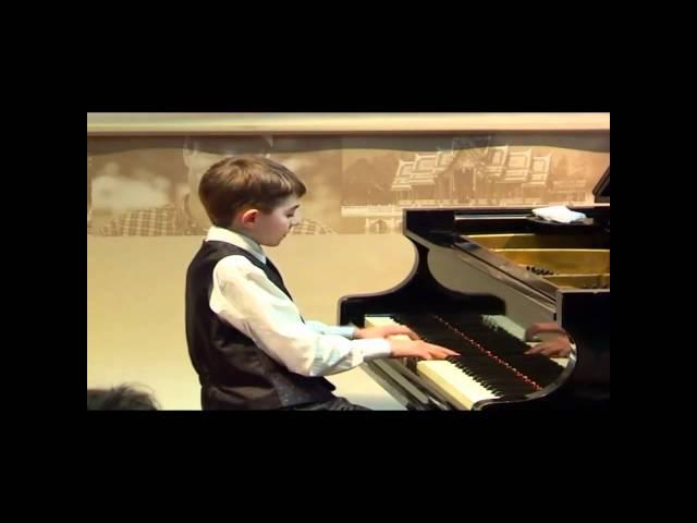 Richard Fiege plays Kurtidi´s Sonata F-Dur, Part I