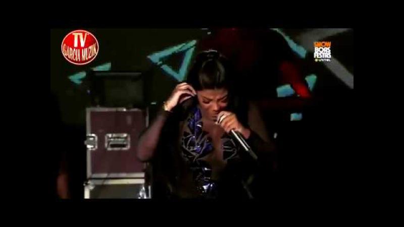 Ludmila em Angola Causa Emoções (Procura o Brinco) Show Boas Festas