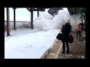 Уборка снега поездом Красивое зрелище