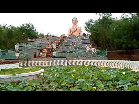 Самая высокая в мире Статуя Басаванны - аватара Нанди в местечке Басавакальяни.
