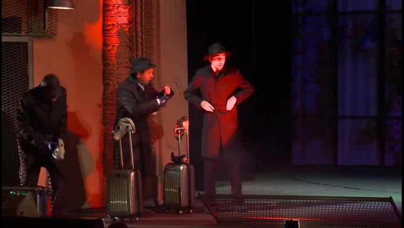 Калининградский театр-Добрый человек из Сезуана-(фрагмент)