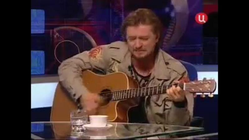Сергей Безруков исполняет две песни под гитару на стихи С.А. Есенина