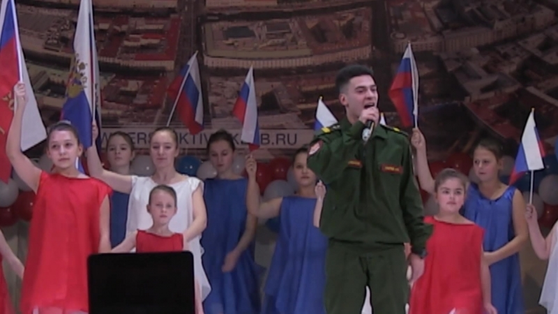 Сержант в/ч 75752 Артем Гостев и ансамбль