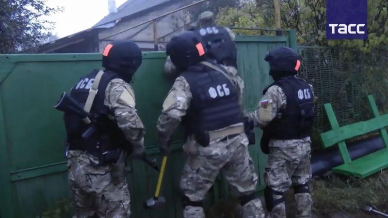 Кадры задержания участников ''Хизб ут-Тахрир'' в Татарстане