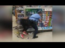 Philly cop lays smackdown on female shoplifters