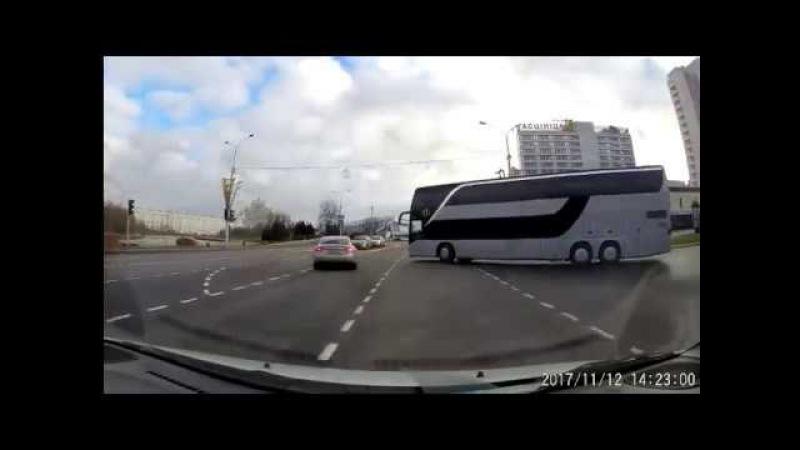 Немецкий автобус в Минске жестко нарушает правила