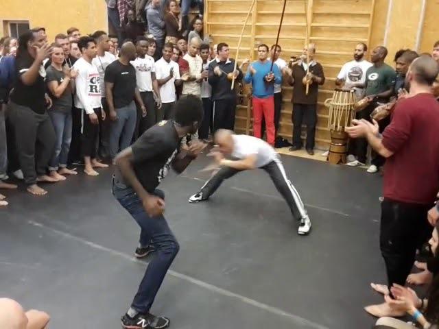 Abadá Capoeira - Roda de abertura 19 JOGOS EUROPEUS 2017 Jogo de São bento grande - part 2