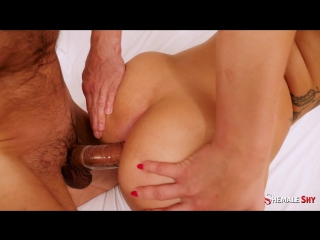 Hanna Rios - Juicy first time blowjob and fuck with gorgeous shemale masseuse Hanna Rios (23.11.2017)_1080p