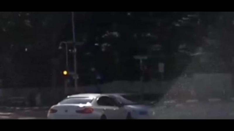 Автомобиль появился из неоткуда