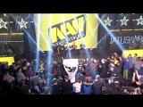 Выход команды Na`Vi на сцену