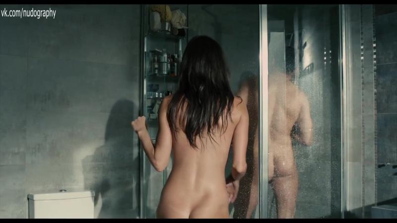 Зашла в душ - Евгения Морозова голая - Белый мавр, или Интимные истории о моих соседях (2012) 1080p