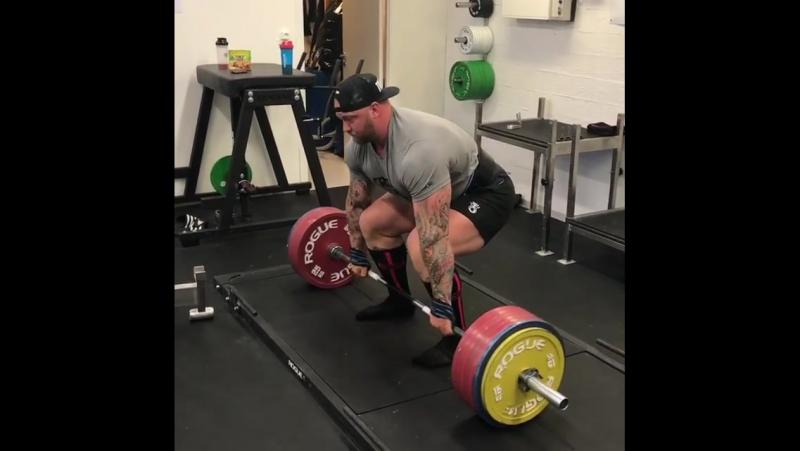 Хаффтор Бьорнссон - тяга 340 кг на 5