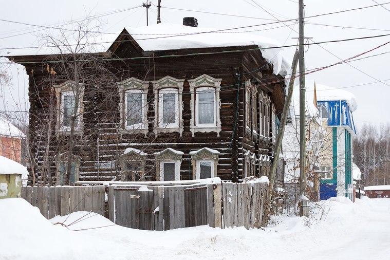 Жителям «деревяшки» пришлось ночью уходить из квартир из-за обрушения