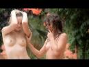 Две эротичные девушки очень сексуально ласкают друг друга под шум воды не порно